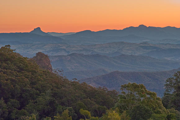 Mt Lindsay at dusk, from O'Reilly's (Lamington NP)